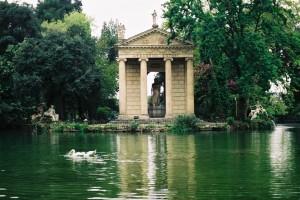 2003 Roma - Villa Borgese - tepio di Esculap