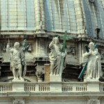 2005 Roma - Basilica San Pietro_frontone