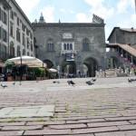 2010 Bergamo - Piazza Vechia - Palazzo della regione